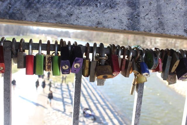Liebesschlösser auf der Wittelsbacher Brücke
