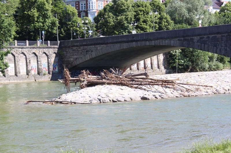unterhalb der Wittelsbacher Brücke