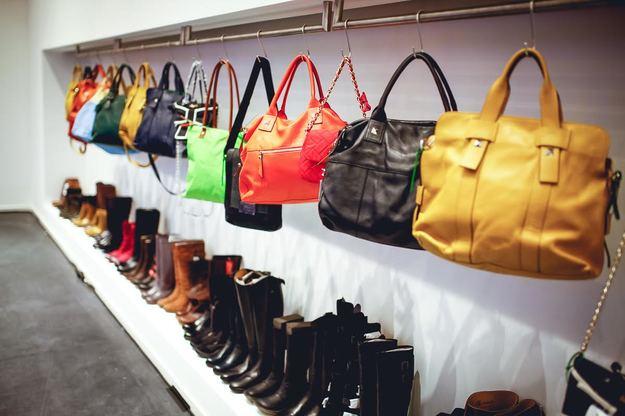 Handtaschen und Schuhe