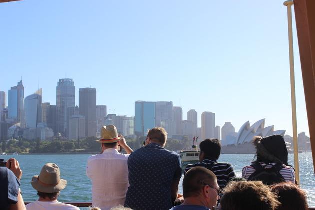 Sydney am Nachmittag auf der Fähre