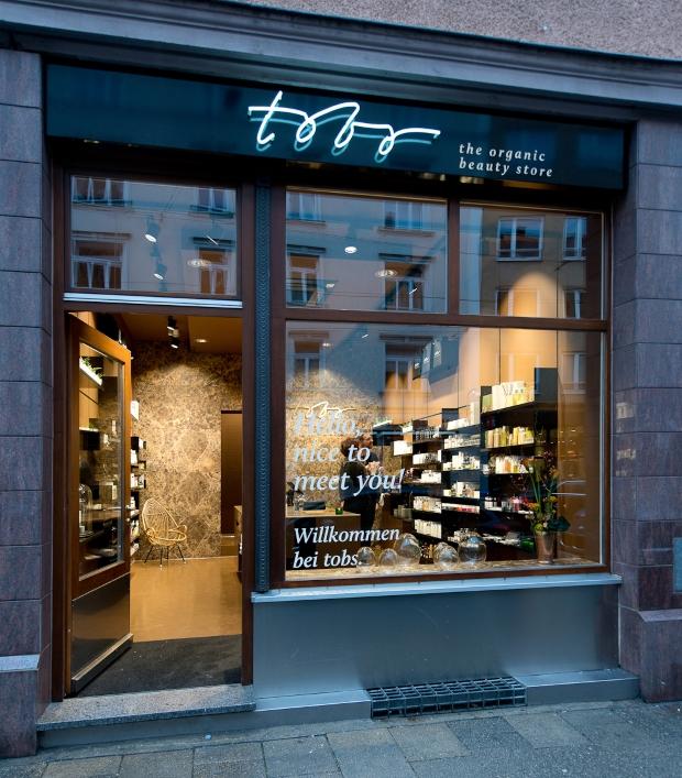 TOBS-Organic-Beauty-Store-von-außen
