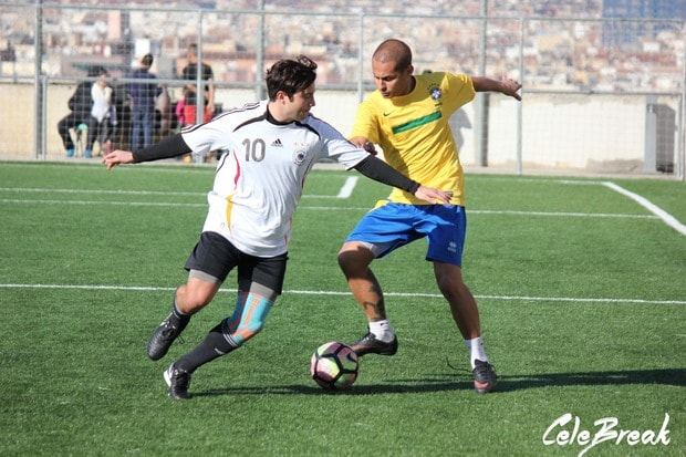 Brasil Play football in Barcelona