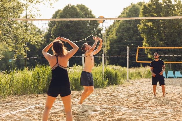 Spaß beim Beachvolleyball
