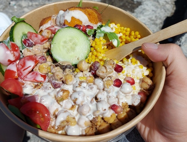 Mom's Healthery Kitchen Salat Bowl